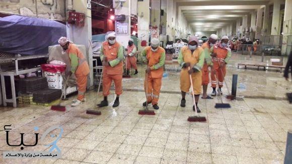 بلدية محافظة الخرج  تقوم بأعمال غسيل وتعقيم السوق المركزي