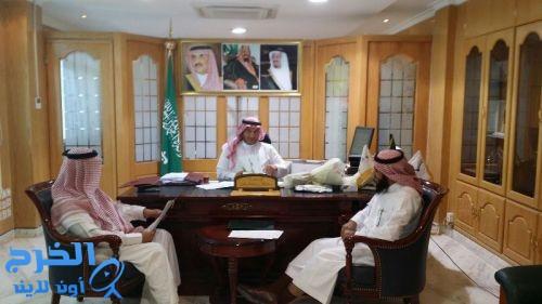 د.العبدالجبار يجتمع مع منسق برنامج (فطن)بتعليم الخرج