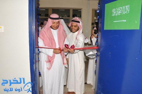 د.العبدالجبار يفتتح عدد من المقرات التعليمية ويكرم الطلاب المتفوقين في ثانوية ابن النفيس