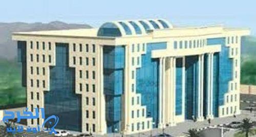 5 مخالفات تغلق 21 مطعما ومحلا للحلاقة في الرياض