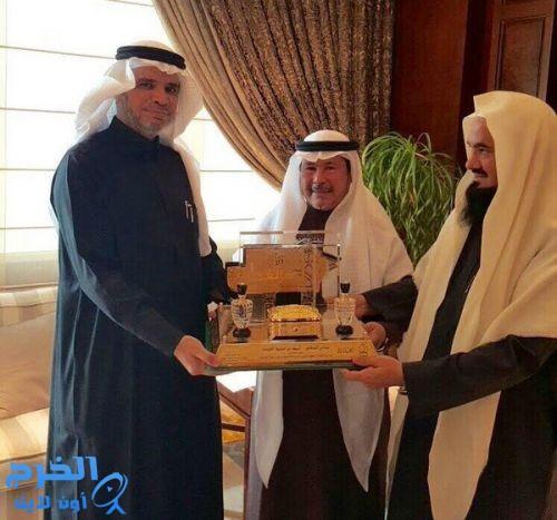 وزير التعليم يلتقي مدير جامعة الإمام ووكيله لشؤون المعاهد
