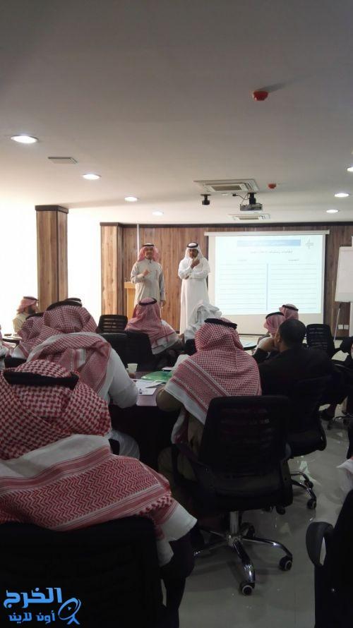 السعيدان يلقي برنامجا تدريبيا بعنوان ( التربية الإعلامية الناقدة )