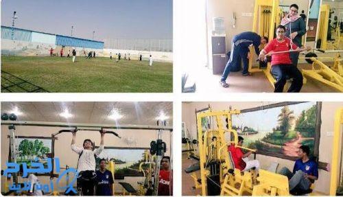 طلاب ثانوية الملك عبدالله بمركز النشاط بالدلم