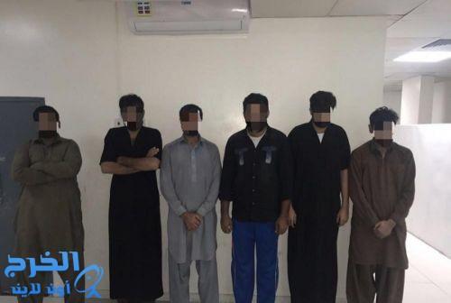 الإطاحة بـ6 باكستانيين نفذوا 30 سرقة بنصف مليون