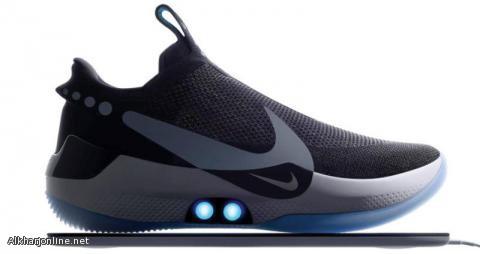 أحذية ذكية تربط نفسها بنفسها وتتكيف مع شكل قدميك تلقائياً
