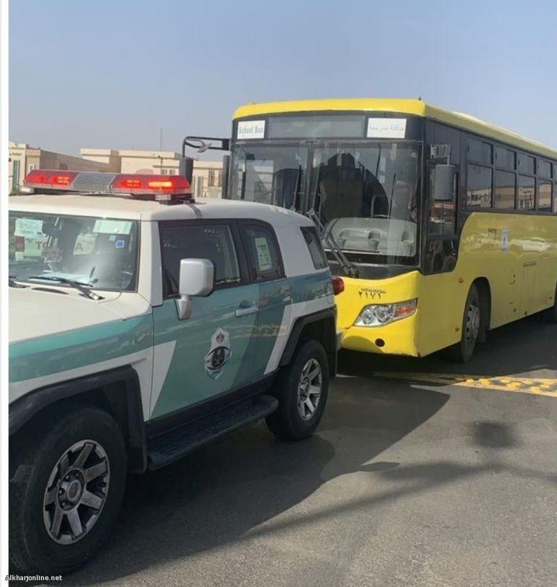 مرور عسير يضبط قائد الباص المدرسي المتهور