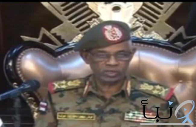 وزير الدفاع السوداني يعلن اعتقال  الرئيس عمر البشير وعزله