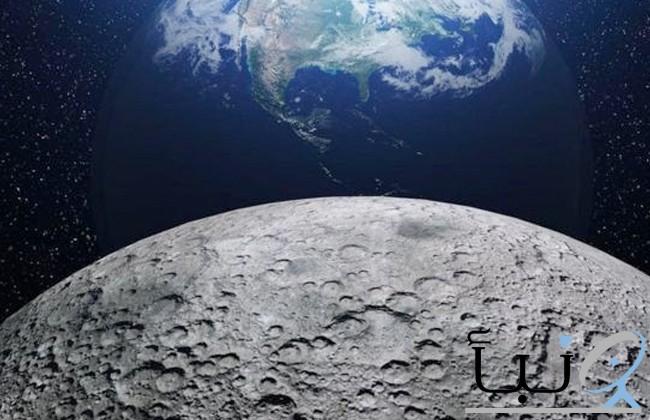 روبوت يعمل بتقنية الذكاء الاصطناعي يرسم مناظر لسطح القمر