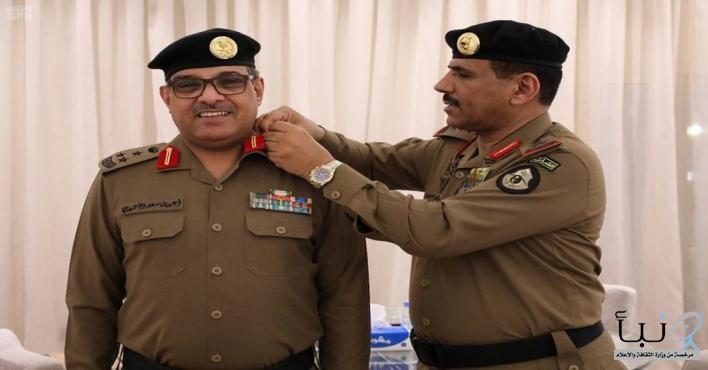 مدير الأمن العام يقلد العميد الأحمدي رتبته الجديدة