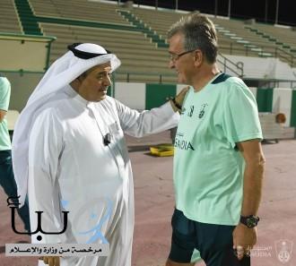 منصور بن مشعل يطالب لاعبي الأهلي بروح الانتصار أمام الهلال