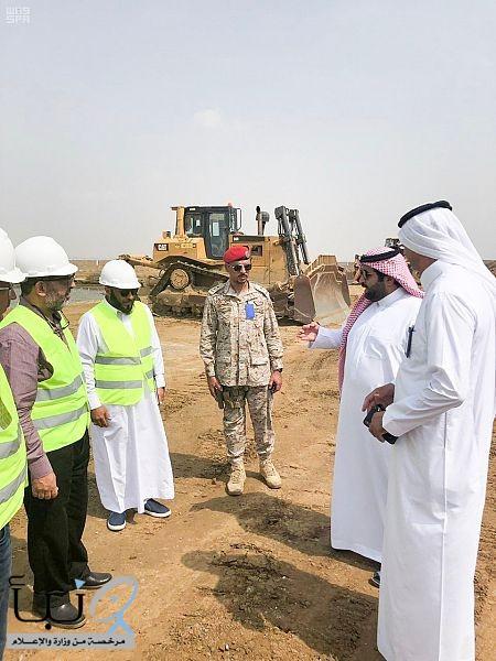 سمو أمير جازان بالنيابة يتفقد مشروع توسعة وتأهيل مدرجات ومواقف الطائرات بمطار الملك عبدالله الحالي