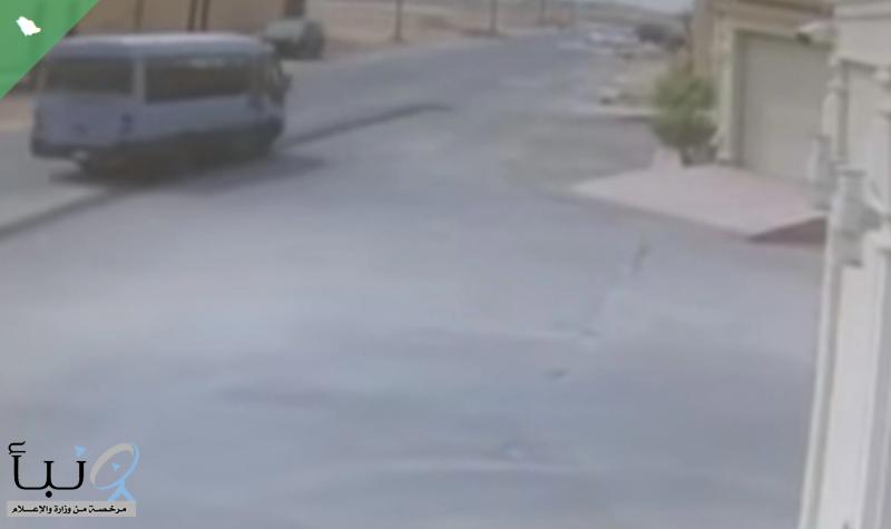 «تعليم الرياض»: يوضح في بيان الحافلة المتسببة في وفاة طالبة حي الشفا تابعة لنقل خاص