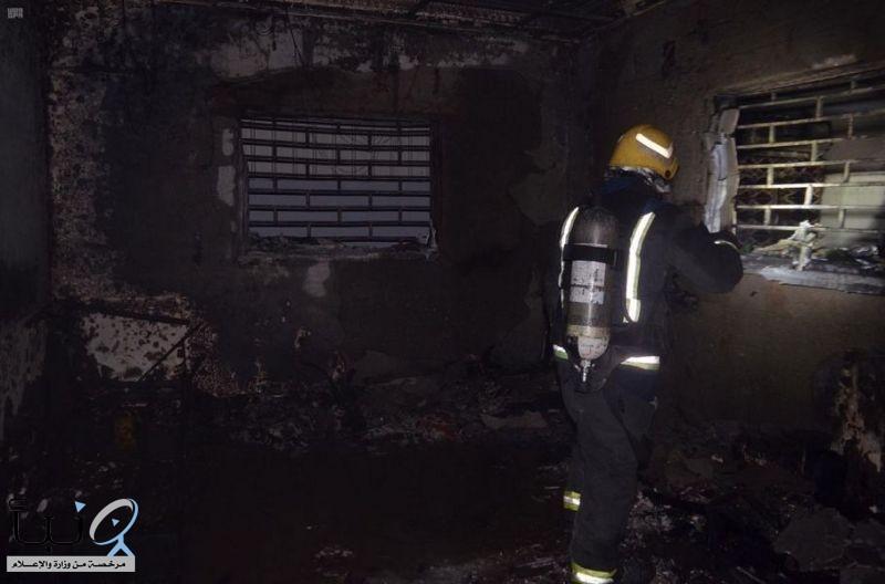 مدني #تبوك ينقذ 4 أشخاص إثر حريق اندلع بإحدى الشقق السكنية بحي الروضة