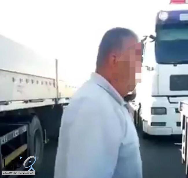 القبض على سائق اعترض طريق شاحنة سعودية في الأردن وتلفظ على قائدها
