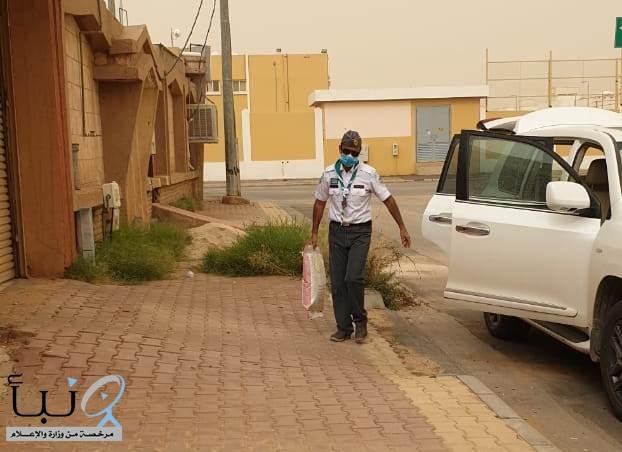 رواد وقادة الكشافة بالزلفي يساهمون في توزيع السلال الغذائية