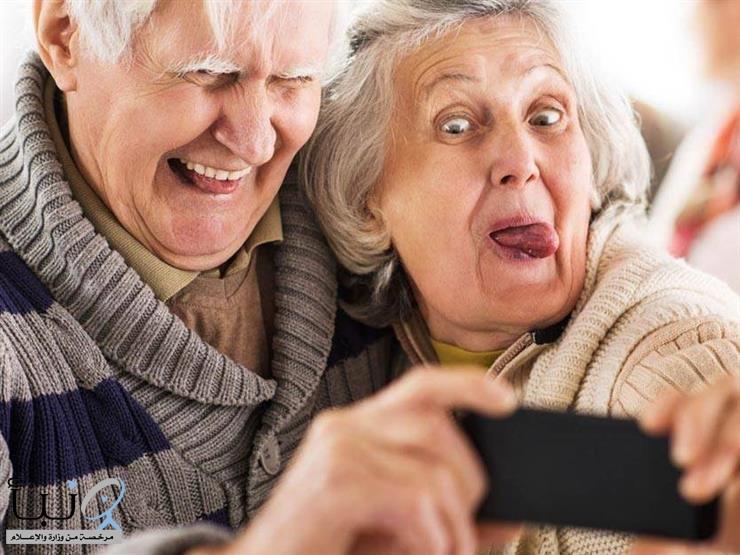 كبار السن أقوى نفسيا أمام كورونا.. ما السبب؟