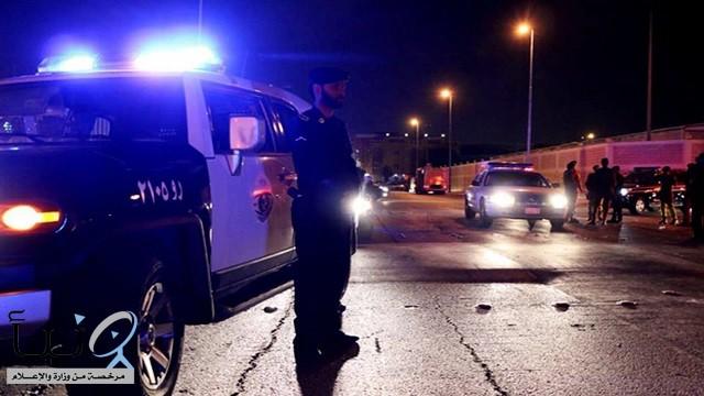 #جدة .تشهد . #رجل يطعن #زوجته أمام محل تجاري ويلوذ بالفرار