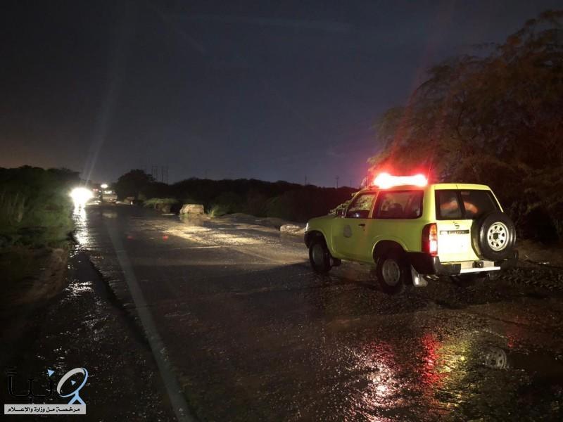 #جازان: مياه الأمطار تداهم منازل وتحتجز مركبات