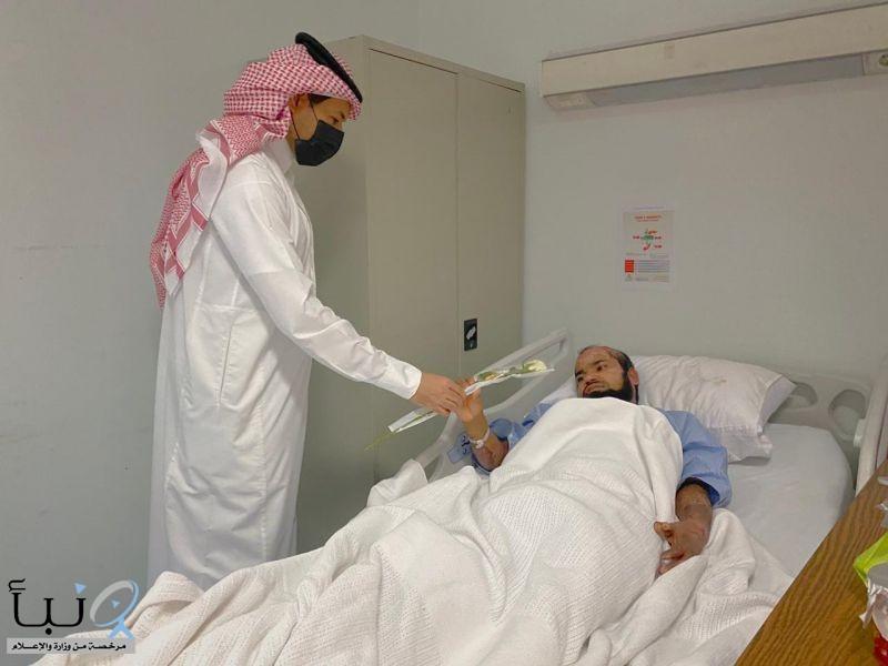 مدير مستشفى #الدلم يعايد المرضى في عيد الاضحى المبارك 1441.