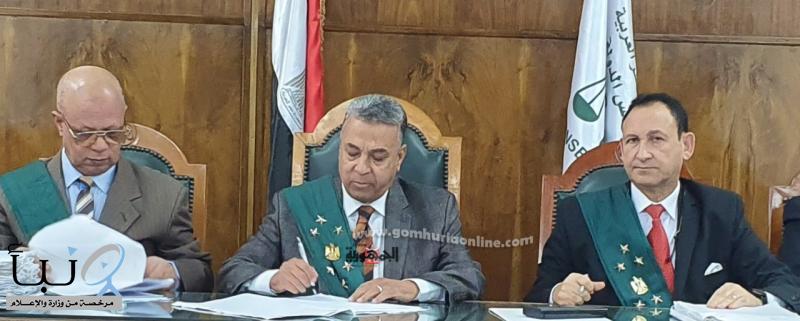 عزل عميد تربية  في #مصر سرب الامتحان مقابل رشوة جنسية