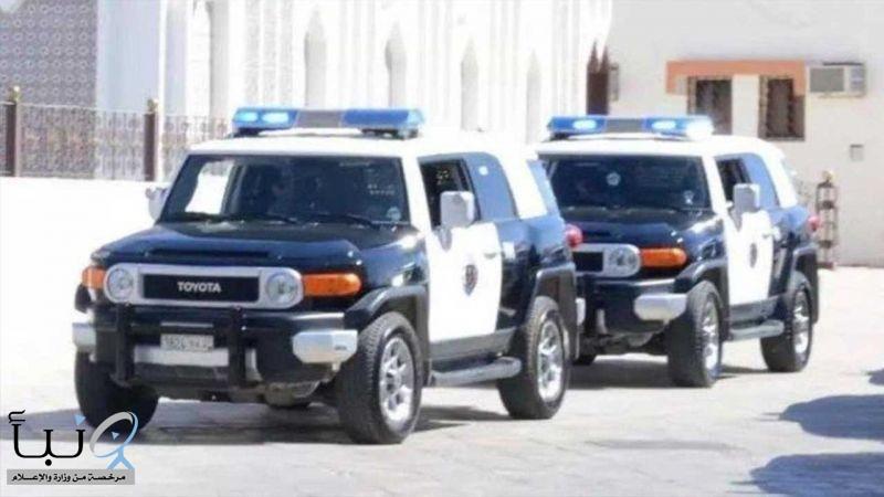 القبض على متهمين  من الجنسية اليمنية  ثبت تورطهما بارتكاب عددٍ من الجرائم