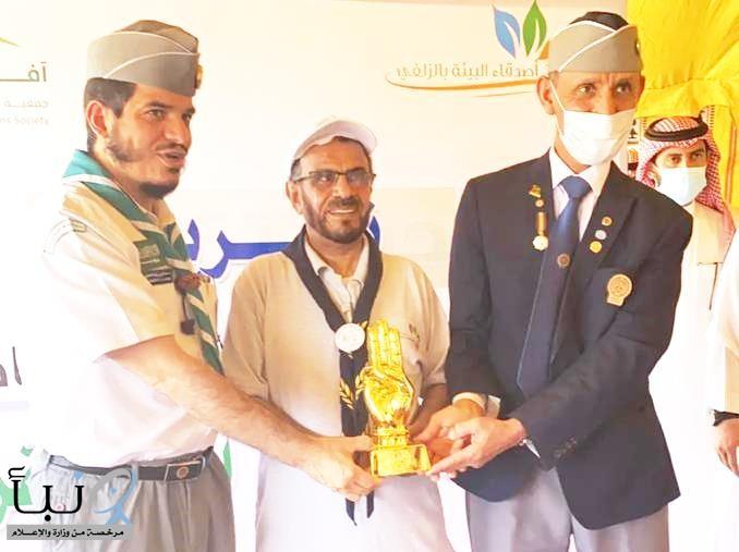 جمعية الكشافة تُكرم الناشط البيئي عبدالكريم الفراج