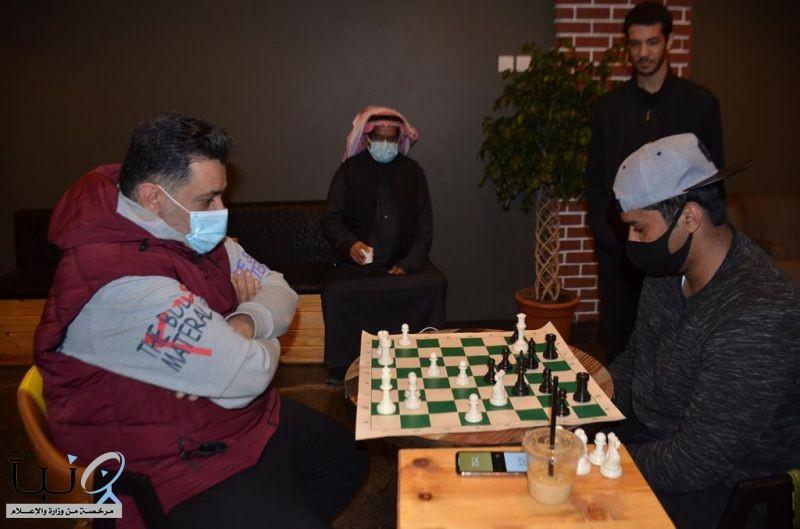 هواة جوفيون يحترفون لعبة الشطرنج و يسعون لاعتمادها