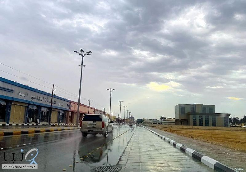 أمطار متوسطة على محافظة حفر الباطن