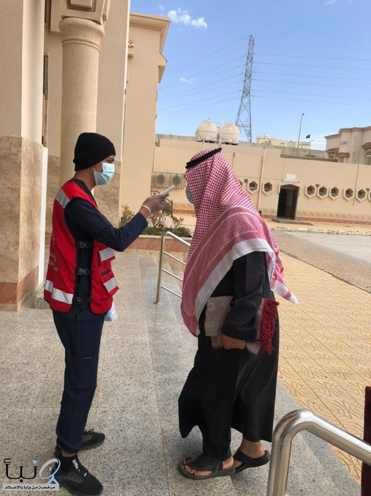 الهلال الأحمر بمنطقة الباحة ينفذ مبادرة تطوعية  (الباحة آمنة)