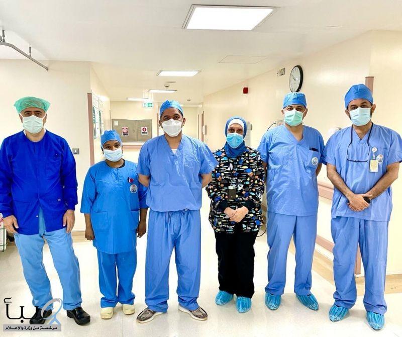 فريق طبي بتخصصي الدمام ينهي معاناة طفلة في عملية هي الأولى من نوعها في العالم لطفلة