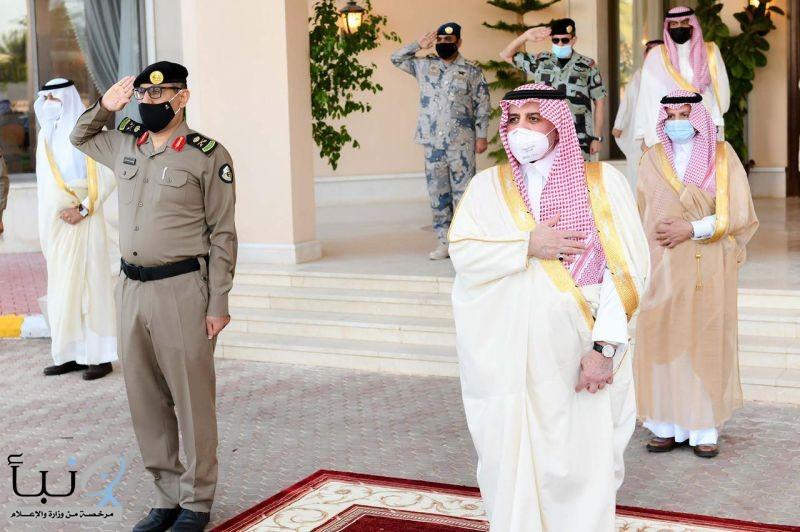 أمير منطقة تبوك يستقبل المهنئين بعيد الفطر المبارك