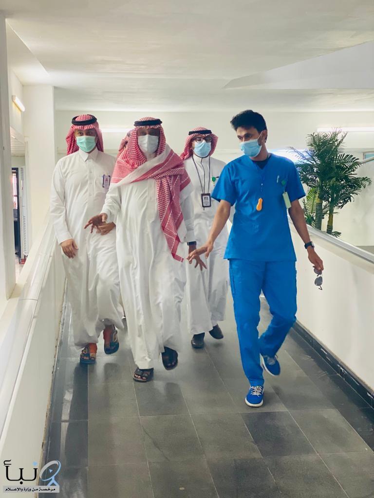 محافظ صامطة يتفقد المشاريع الجاري تنفيذها في المستشفى العام